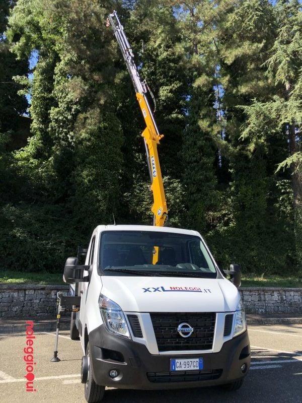 Noleggio furgone con gru ad Arezzo