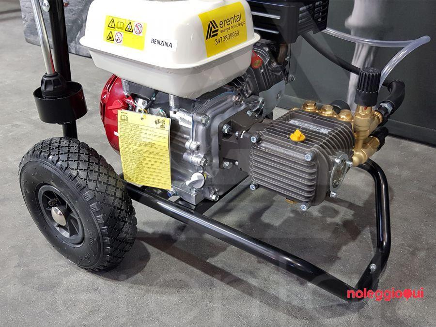 Noleggio FDX2 13/180 a benzina ad acqua fredda