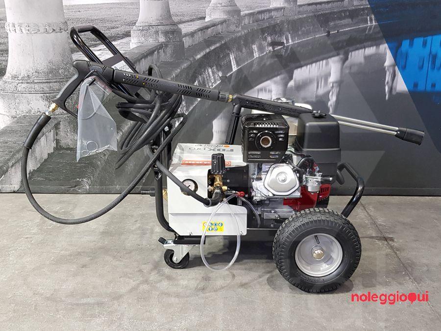 Noleggio FDX PRO 16/250 a benzina ad acqua fredda