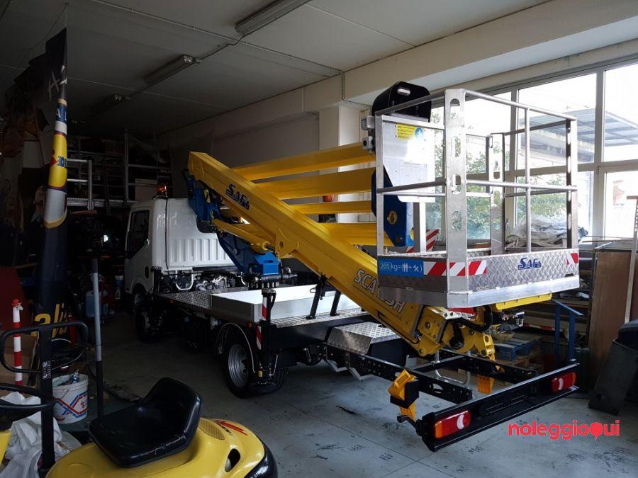 Noleggio Piattaforma autocarrata SAFI SCA 23 H
