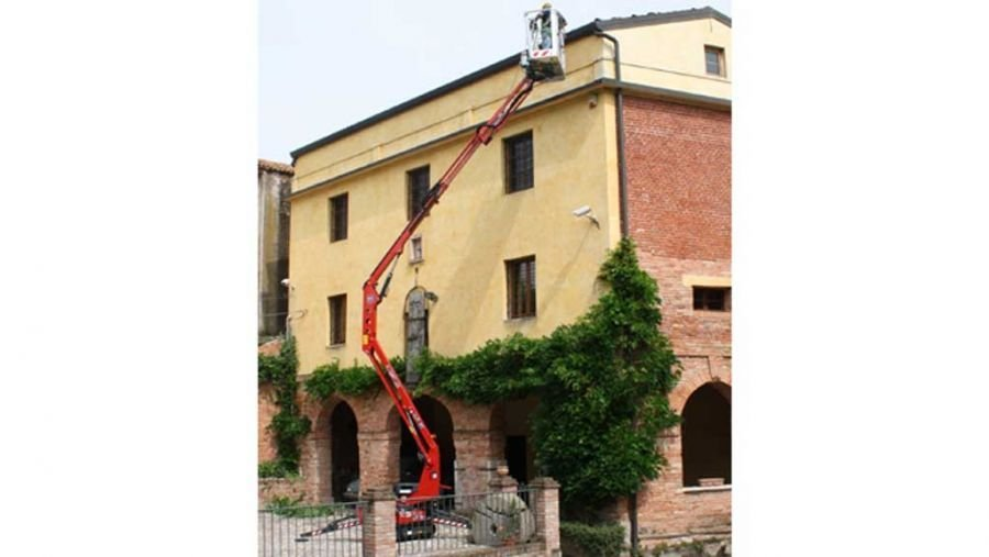 PIATTAFORMA AEREA A CINGOLI LIGHT LIFT 14.72 IIIS