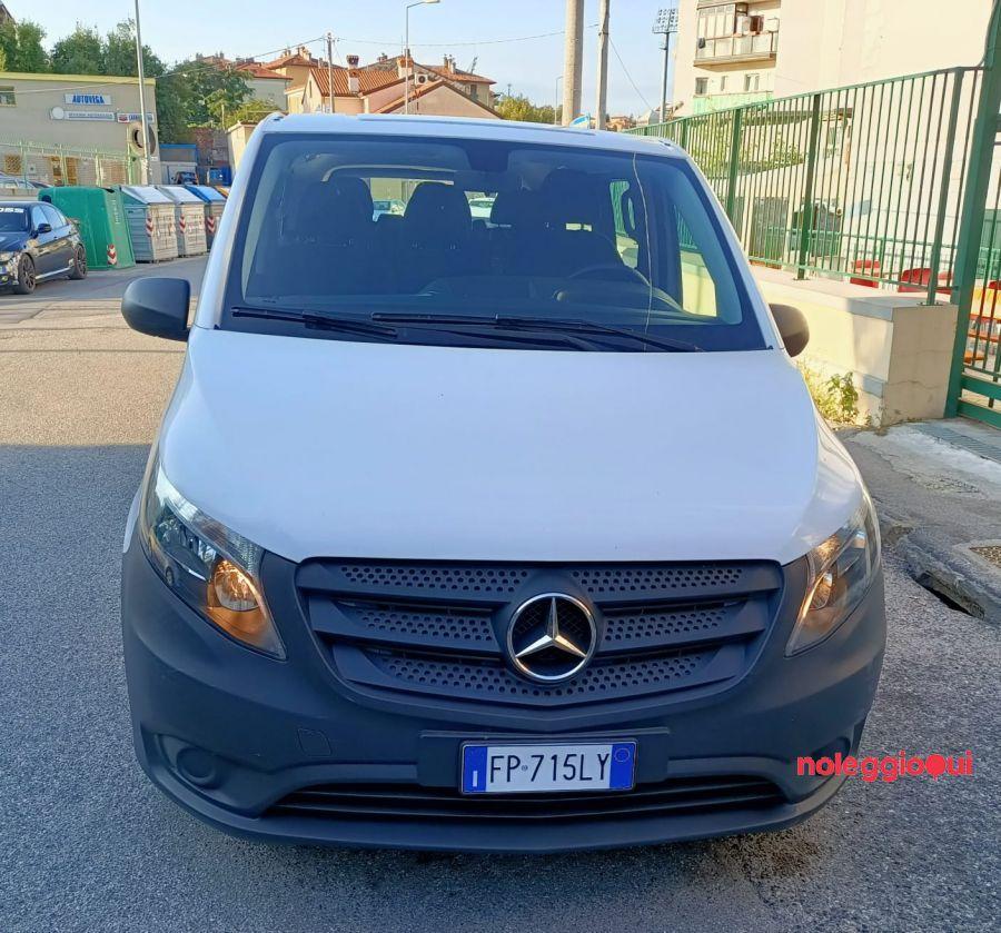Noleggio Minivan 9 posti