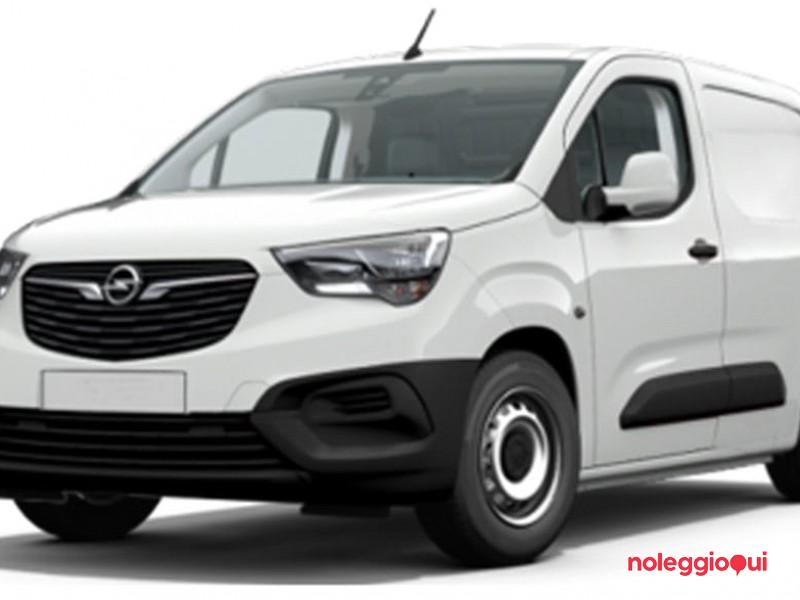 Noleggio lungo termine OPEL COMBO 1.5 Diesel 100cv Edition L1