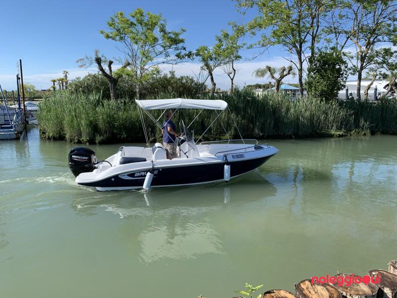 Barca C4  Brube MOSE  + Mercury  F40 PRO  ( no patente )